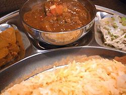 インド食堂 CHANDNI:ビンディ・カドゥ