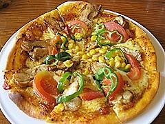 コラッジオ:若鶏伽哩満月焼(チキンカレーピザ)